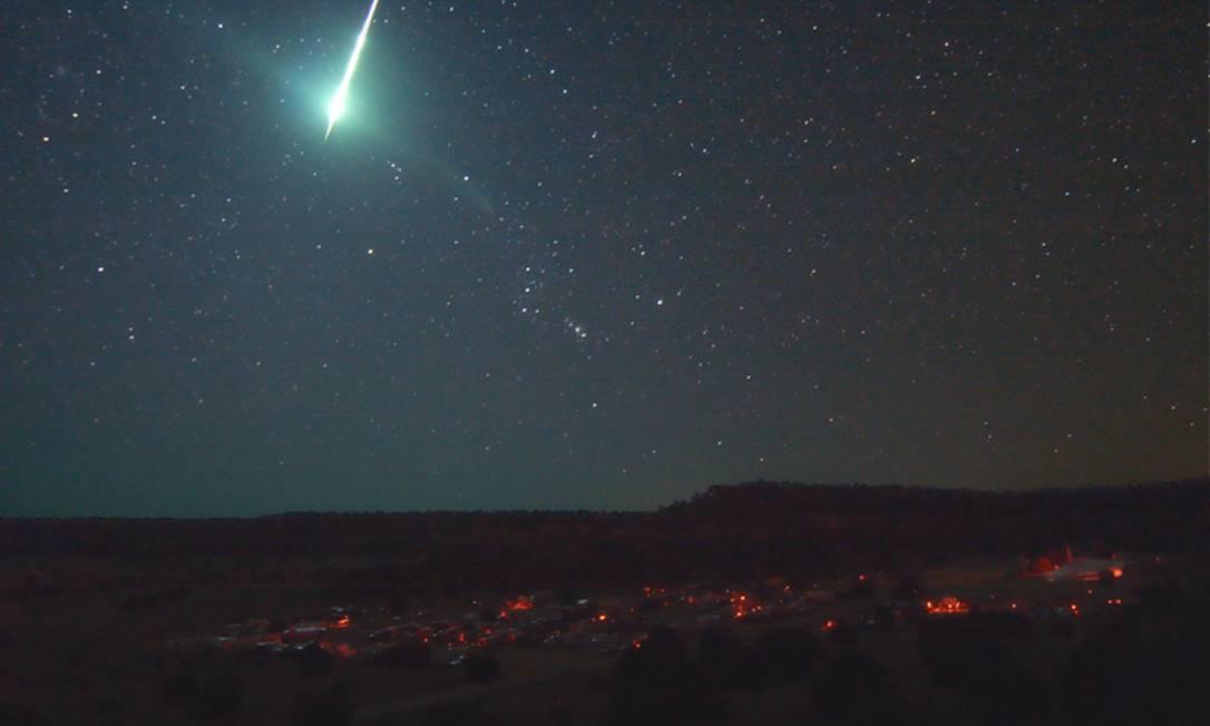 Bola de fogo registrada no céu dos EUA em 2008: queda de satélite soviético teria produzido imagem semelhante Foto: Reprodução da Internet/Sociedade Americana de Meteoros