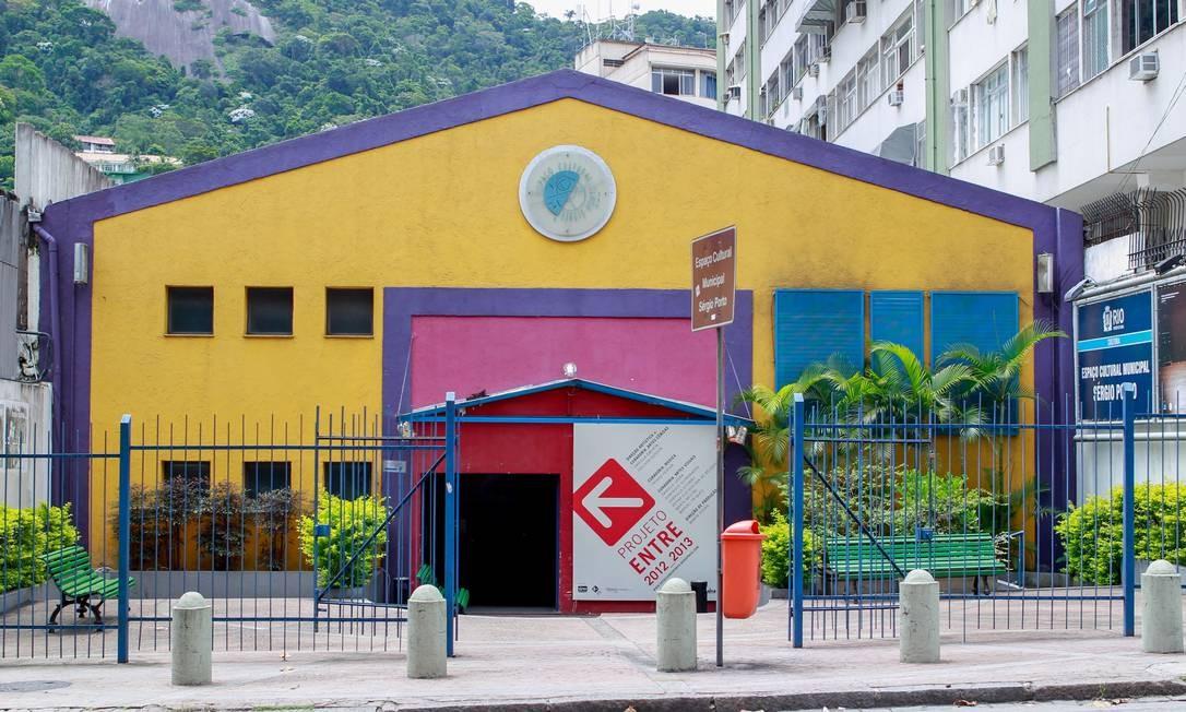 Teatro Sérgio Porto, no Humaitá, funciona sem autorização dos bombeiros há cinco anos Foto: Pedro Kirilos / O Globo