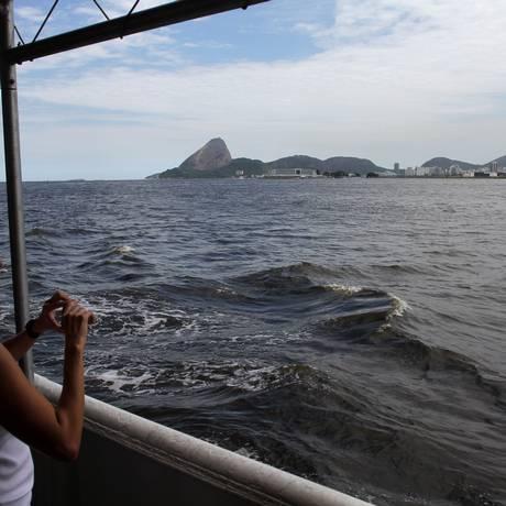 Passeio no rebocador Laurindo Pitta, da Marinha, pela Baía da Guanabara Foto: Rafael Moraes / O Globo