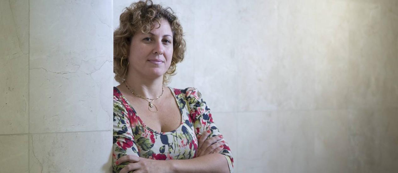 Suzana Campos, funcionária pública, faz compras a prazo, mas nunca recebeu informação sobre custo total do crédito Foto: Leo Martins / Agência O Globo