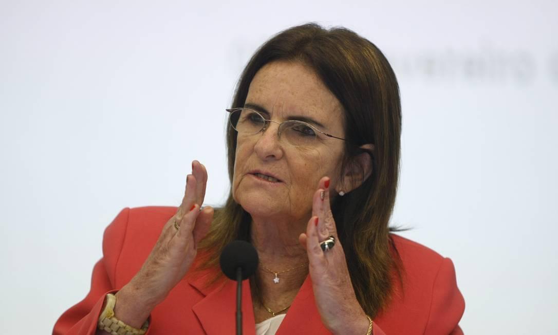 Graça Foster defende que reajuste no preço dos combustíveis ainda não foi suficiente em apresentação do balanço da estatal em 2012 Foto: Eduardo Naddar