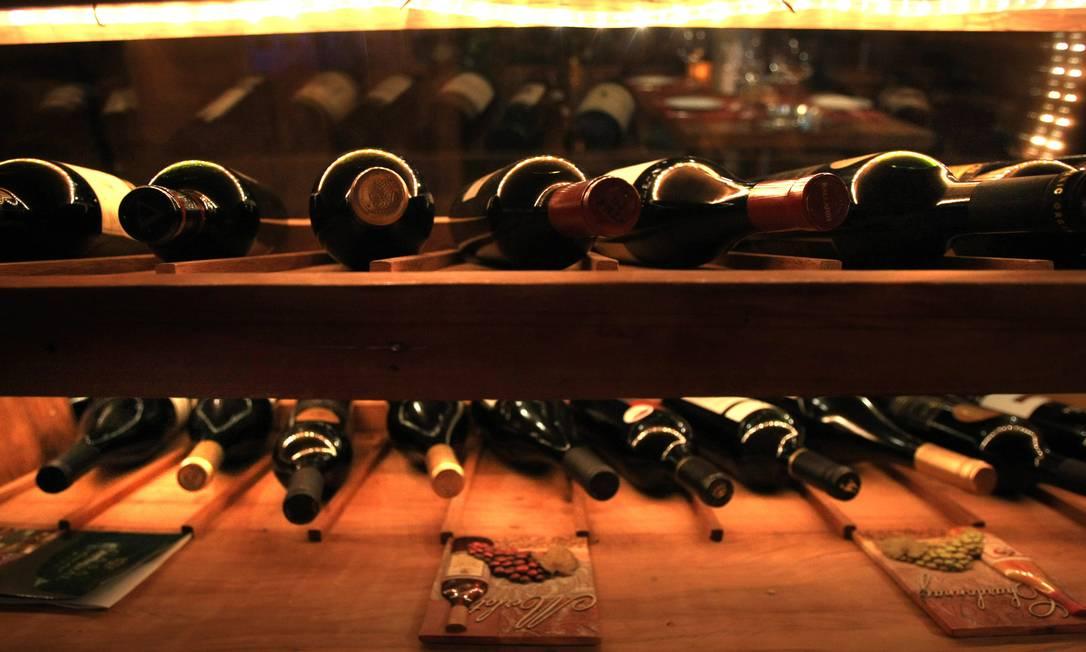 Vinho tinto contém resveratrol, substância que, em laboratório, anulou ação de aglomerado de proteína que causa o mal de Alzheimer Foto: Guilherme Leporace