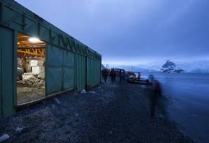 Contêiner guarda equipamentos para a missão brasileira na Ilha Rei George, na Antártica Foto: Daniela Dacorso