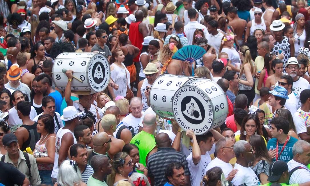 Segundo a Riotur, Cordão do Bola Preta desfilou com 1,8 milhão de foliões Pedro Kirilos / Agencia O Globo