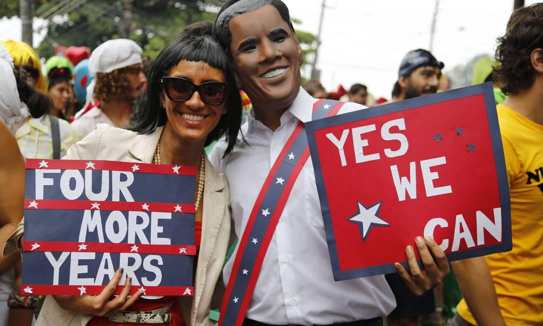Michelle e Barack Obama também apareceram no desfile do bloco Céu na Terra, em Santa Teresa Mônica Imbuzeiro / Agência O Globo