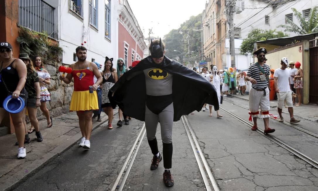 Até o Batman deu as caras no desfile do Céu na Terra Mônica Imbuzeiro / Agência O Globo