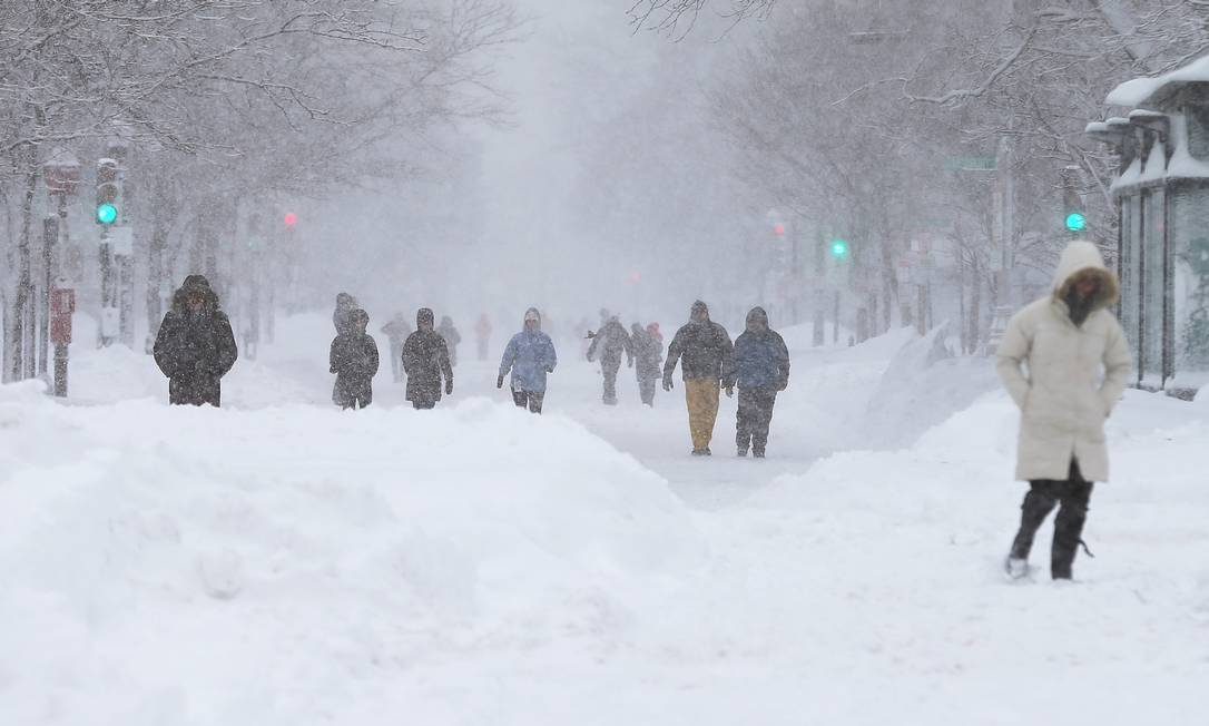 A nevasca derrubou a energia de milhares de pessoas nos Estados Unidos MARIO TAMA / AFP
