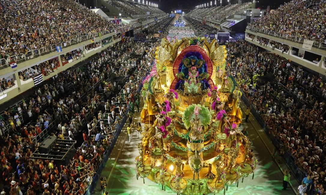 CI Rio de Janeiro(RJ) 10/02/2013 - Carnaval 2013 - Desfile das Escolas de Samba do Grupos Especial - Mangueira.Foto Luis Alvarenga/Extra Luis Alvarenga / Agência O Globo