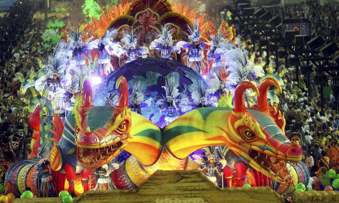 Escola foi a última do Grupo Especial a desfilar neste Carnaval Cezar Loureiro / Agência O Globo
