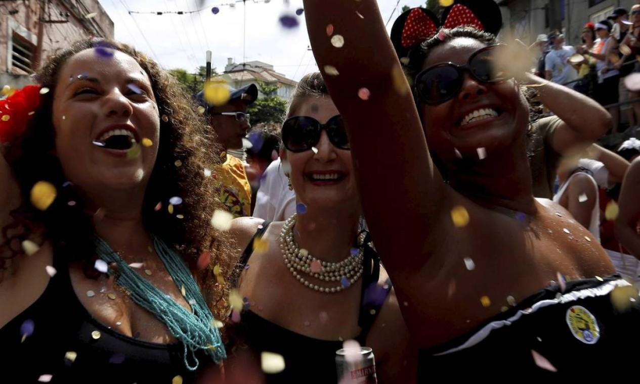 RI Rio de Janeiro (RJ) 12/02/2013 Carnval 2013 - Bloco Carmelitas, em Santa Teresa. Foto Mônica Imbuzeiro / Agência O Globo Foto: Mônica Imbuzeiro / Agência O Globo