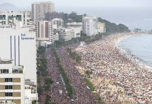 Simpatia É Quase Amor, que arrastou 120 mil foliões na Avenida Vieira Souto, na orla de Ipanema, no domingo de carnaval Foto: Riotur / Fernando Maia