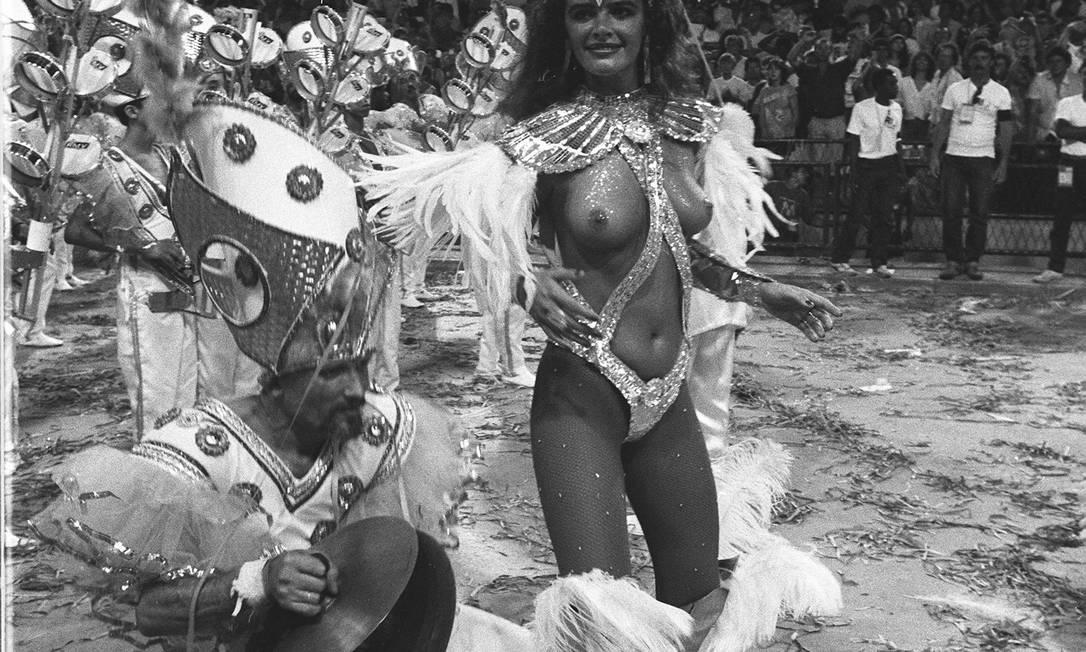 02.03.1987 - Local - Cezar Loureiro - JB ZO - Desfile de Carnaval - Escola de samba Caprichosos de Pilares - Luma de Oliveira Cezar Loureiro / Arquivo O Globo
