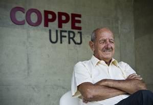 A origem de tudo: professor Alberto Luiz Coimbra, de 90 anos, o fundador da Coppe Foto: Guito Moreto / O Globo