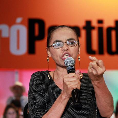 Marina Silva discursa durante evento para a criação de um novo partido. Foto: Givaldo Barbosa / O Globo