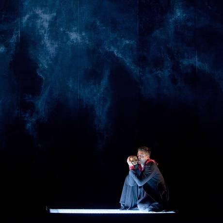 O ator Thiago Lacerda em cena da peça Hamlet Foto: João Caldas / Divulgação