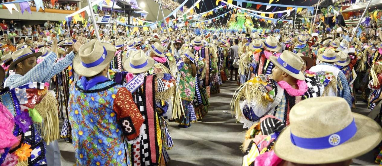 O arraiá da Vila Isabel, grande campeã do carnaval 2013. Na foto, os ritmistas da escola Foto: Fabio Rossi / Agência O Globo