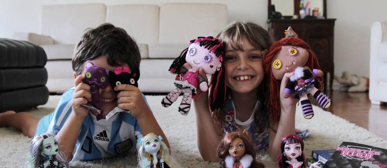 Crianças e suas coleções de bonecos Foto: O Globo / Michel Filho/11-01-2011