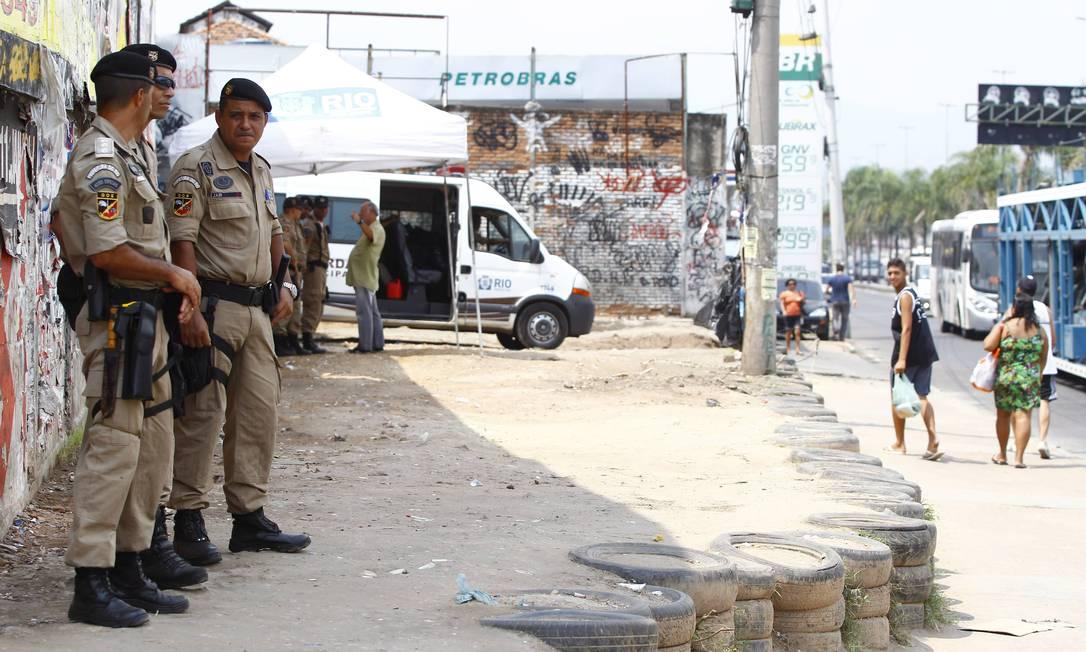 Guardas municipais ficam de prontidão no entorno do Parque União Foto: Pablo Jacob / Agência O Globo