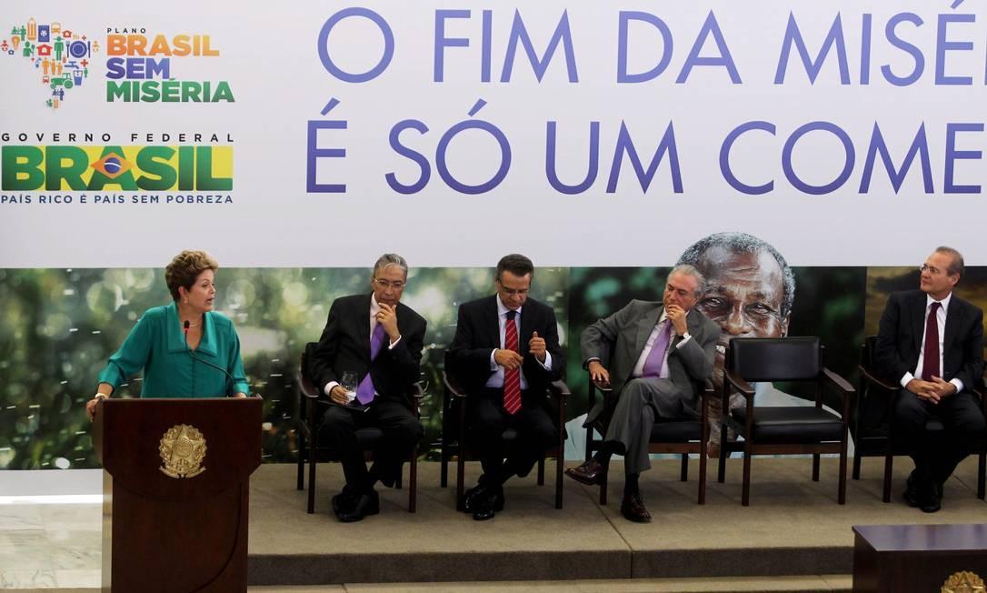 Dilma durante cerimônia de anúncio de medidas do Plano Brasil Sem Miséria Foto: Gustavo Miranda / O Globo