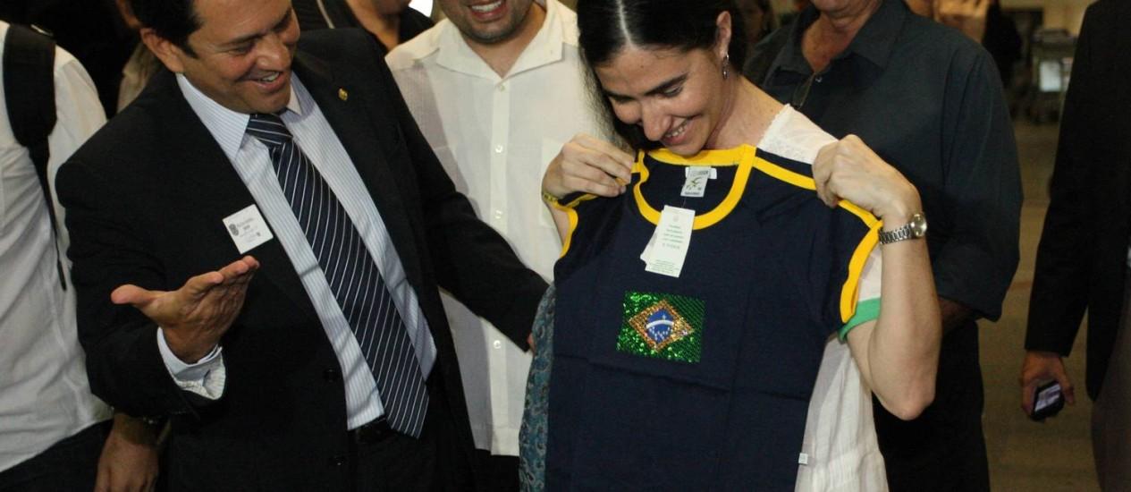 Yoani é recebida pelo deputado Otávio Leite (PSDB/RJ) em sua chegada a Brasília para visita à Câmara dos Deputados onde debaterá liberdade de expressão. Foto: André Coelho