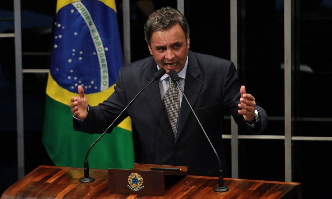 O senador Aécio Neves (PSDB-MG) atacou o PT nesta quarta-feira no Senado Foto: Ailton de Freitas / Agência O Globo
