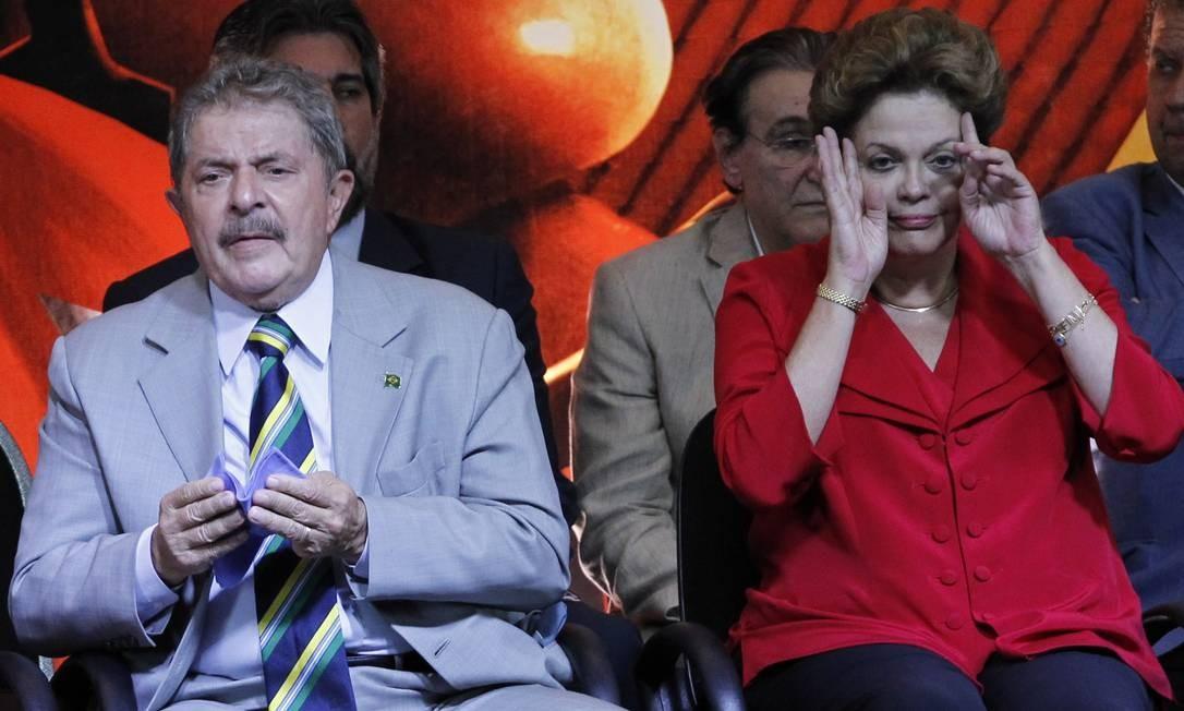 PA São Paulo (SP) 20/02/2013.Comemoração 10 anos do PT no poder.Na foto presidenta Dilma Roussef e o ex presidente Lula foram os destaques do evento.Foto Marcos Alves / Agencia O Globo. Foto: Marcos Alves / Agência O Globo