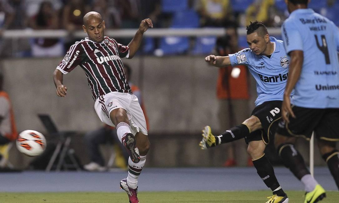 Fluminense e Grêmio jogaram no Engenhão pela segunda rodada do grupo 8 da Libertadores Foto: Alexandre Cassiano / Agência O Globo