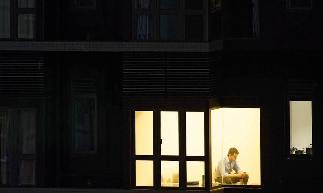 """Foto do """"Window watching"""", projeto do fotógrafo alemão Michael Wolf Foto: Divulgação/Michael Wolf"""