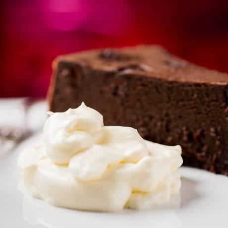 Sete chocolates. Torta Unique será lançada por Marco Mussi no próximo dia 1º Foto: Divulgação/ Marco Mussi