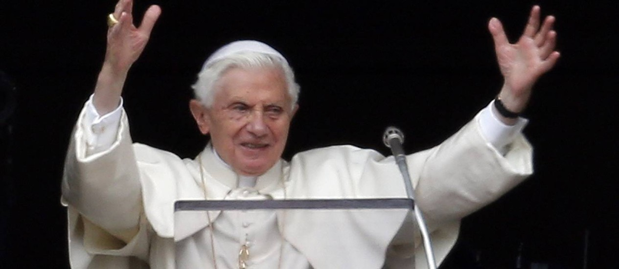 Bento XVI durante sua última oração do Angelus antes de deixar seu posto Foto: ALESSANDRO BIANCHI / REUTERS
