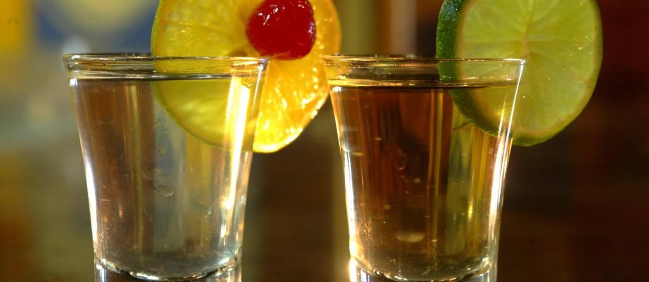 "Cachaça deixa de ser vendida como ""rum brasileiro"" Foto: Luciana Paschoal / Agência O Globo"