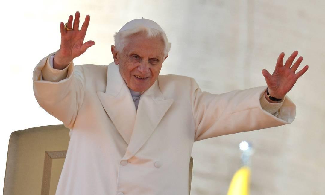 Bento XVI durante última audência pública Foto: GABRIEL BOUYS / AFP