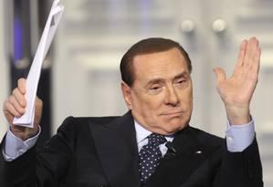 """Primeiro-ministro Silvio Berlusconi em uma entrevista na emissora """"Rai"""": ex-premier é acusado por promotor de manter sistema de prostituição Foto: REMO CASILLI / REUTERS/20-2-2013"""