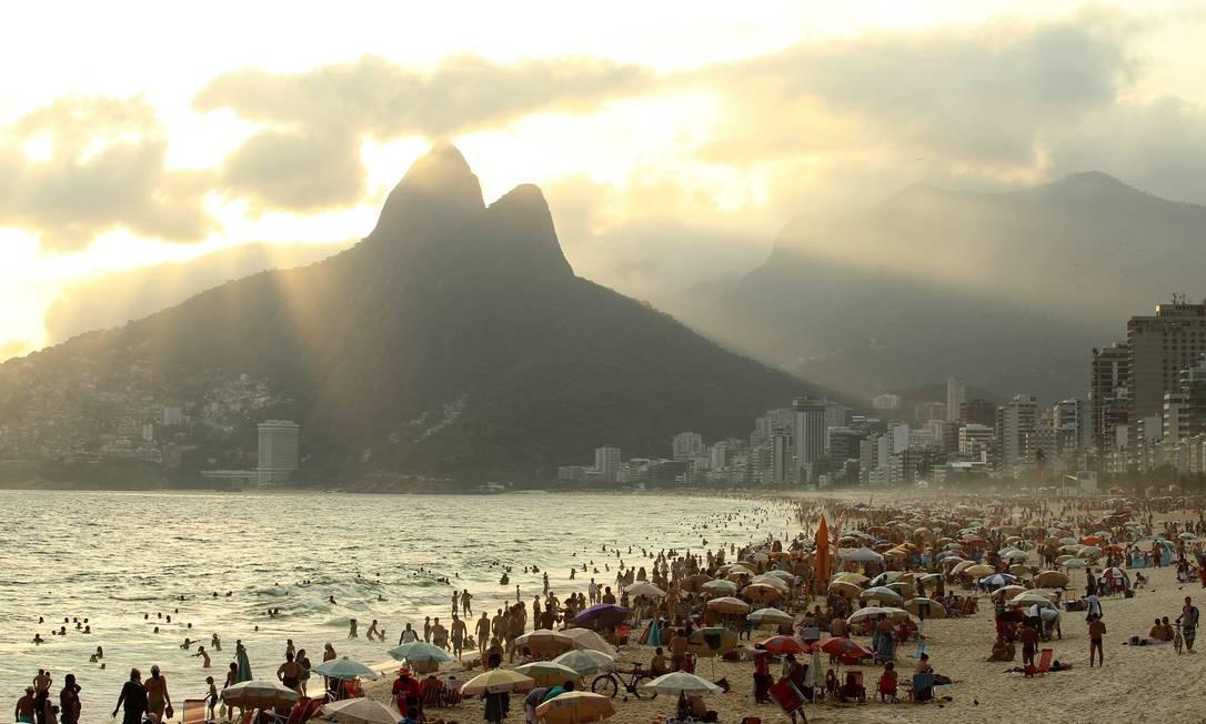 Praia do Arpoador Foto: Carlos Ivan / O Globo