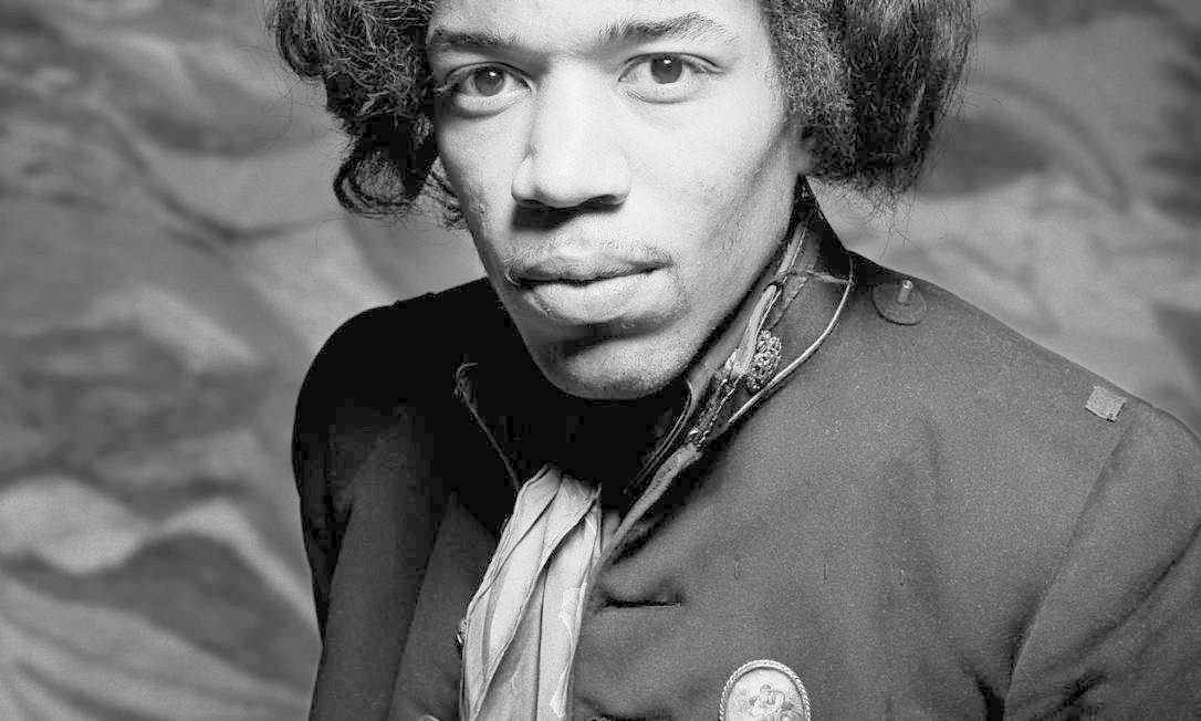 Hendrix na capa do novo disco, 'People, hell and Angels' Foto: Reprodução