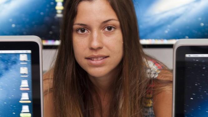 A publicitária Isabella Ribeiro decidiu cursar Tecnologia Criativa, na ESPM, para se preparar melhor para o mercado Foto: Daniela Dacorso / Agência O Globo