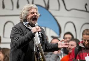 Comediante Beppe Grillo foi considerado o grande vitorioso nas eleições parlamentares italianas Foto: Andrew Medichini / AP