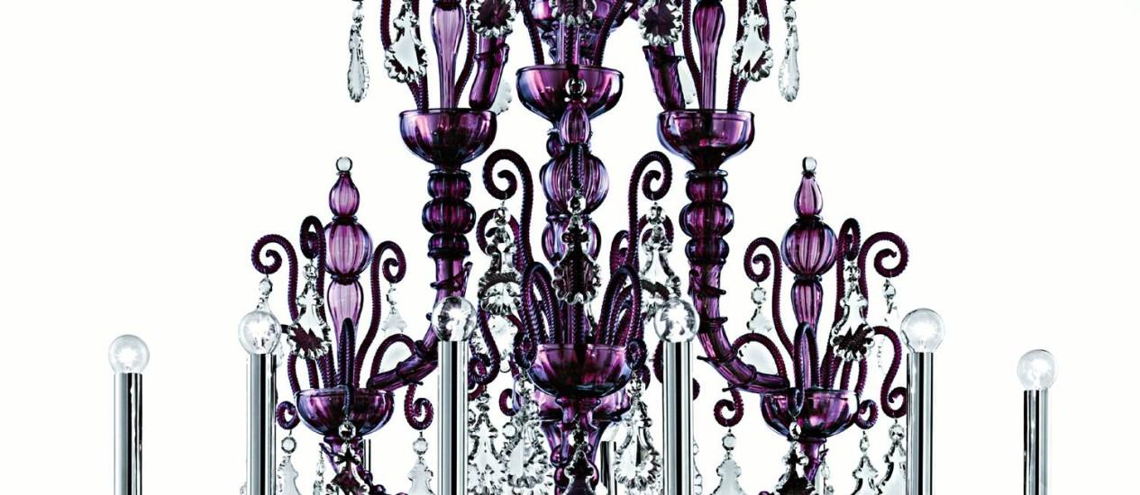 Lustre Taif Vania, da Barovier e Toso, de cristais de murano, com 12 braços: R$ 348.396,52, na Lumini Foto: salaposa / Divulgação