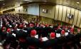 Cardeais participam da primeira reunião antes do conclave