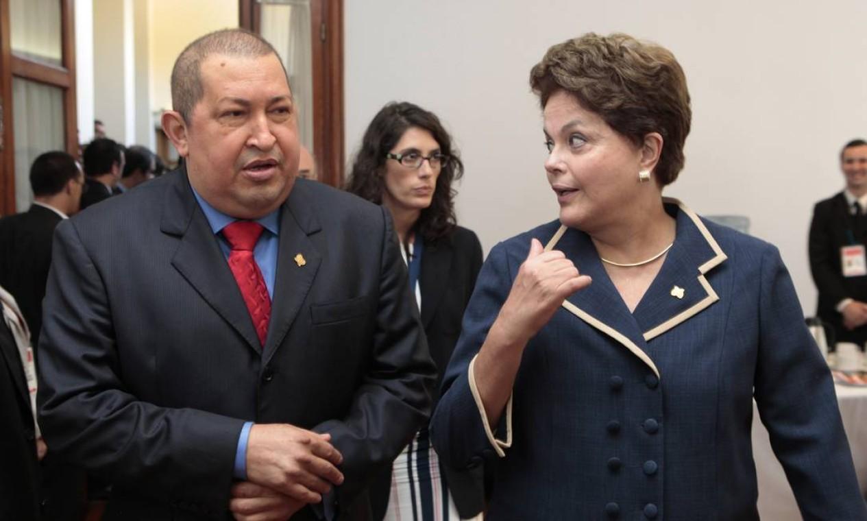 Com a presidente Dilma Rousseff em 2011 durante um encontro do Mercosul no Uruguai Foto: Divulgação / Reuters