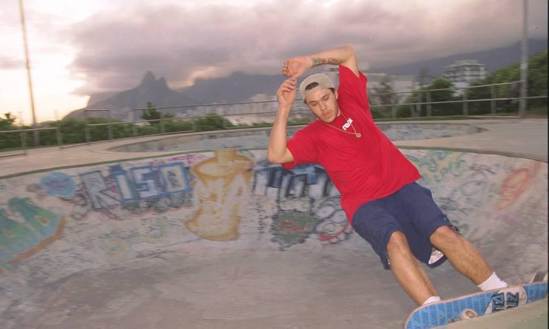 Uma das maiores paixões de chorão era o skate: tatuou o esporte na pele e escreveu letras sobre seu passatempo preferido Leonardo Aversa / Agência O Globo