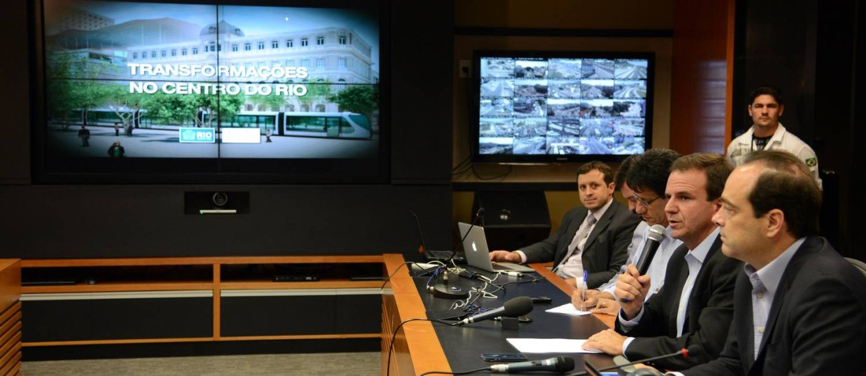 Paes apresenta o planejamento urbanístico e de mobilidade do Centro para 2016 Foto: Prefeitura do Rio / Divulgação