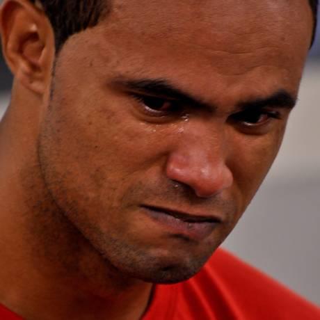 O goleiro Bruno chora durante seu julgamento em Minas Gerais. Ele foi condenado a 22 anos de prisão Foto: Divulgação - 08/03/2013 / Tribunal de Justiça de Minas Gerais
