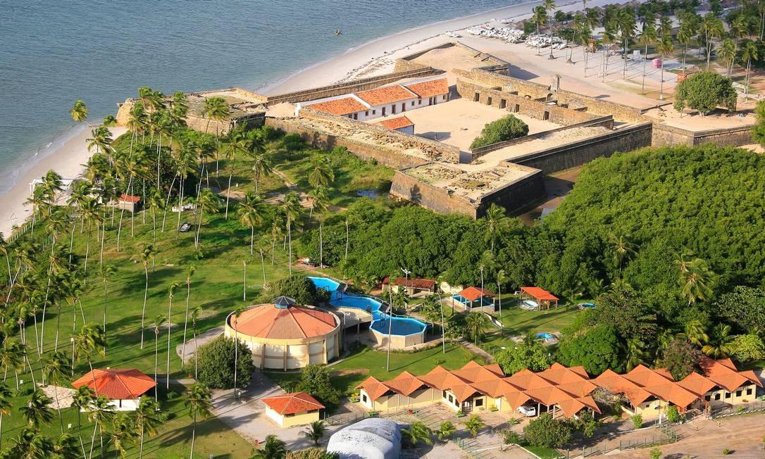 A fortaleza, estrategicamente localizada numa das praias mais bonitas do litoral pernambucano, foi reaberta em novembro. Foto: Hans von Manteuffel / O Globo