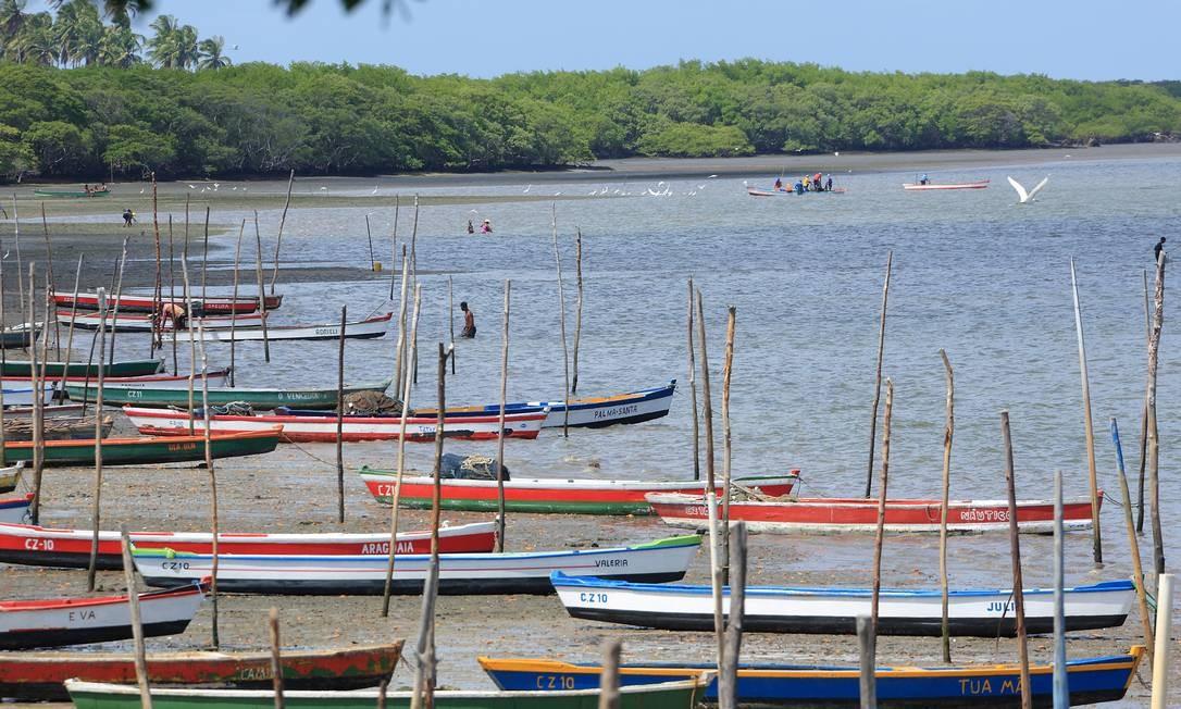Vizinha a Itamaracá, a praia de Itapissuma vive da pesca de ostras e mariscos. Foto: Hans von Manteuffel / O Globo