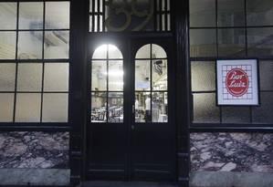 O Bar Luiz, há 86 anos na Rua da Carioca Foto: Hudson Pontes / Agência O Globo