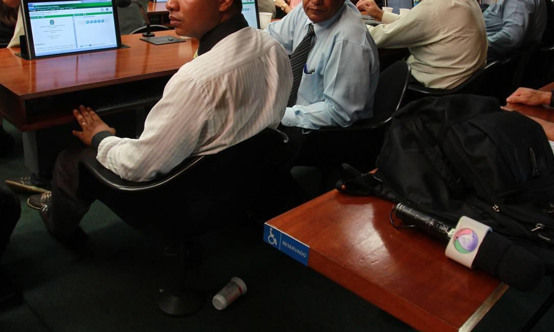 Calcinha é encontrada na Comissão de Direitos Humanos Foto: Givaldo Barbosa/O Globo