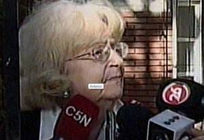 A argentina Amalia em entrevista à imprensa local