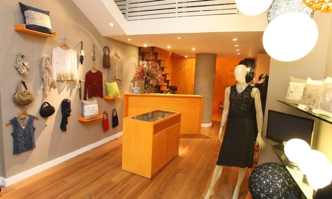 Produtos da Coopa-Roca em loja no Fashion Mall: sucesso lá fora inclui parceria com franceses Foto: Felipe Hanower/3-10-2012