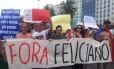 Manifestantes protestam em Copacabana contra a nomeação do pastor Marcos Feliciano para a Presidência da Comissão de Direitos Humanos da Câmara